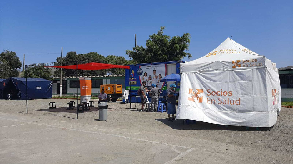 A mobile clinic set up to test for TB and COVID-19 in Peru.diseases simultaneously.
